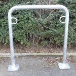 Arceau range-vélos 850 mm hors sol - à cheviller, galvanisé à chaud en forme de T, longueur 1250 mm - Etrier Support cycles Support pour bicyclettes Support pour cycles Supports cycles Range-vélos Support-cycles Supports-cycles de la marque image 5 produit