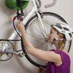 Cycloc Solo–Élégant support mural pour vélo Support de rangement–Plusieurs Options de couleur disponibles de la marque image 3 produit
