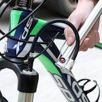 Mini Bike Pompe à pied Portable 160psi, Pneu de vélo Pompe haute pression de gonflage en alliage d'aluminium Compatible avec Presta et valve Schrader Pompe à air de vélo pour route de montagne BMX Bikes- Boule Aiguille inclus de la marque image 5 produit